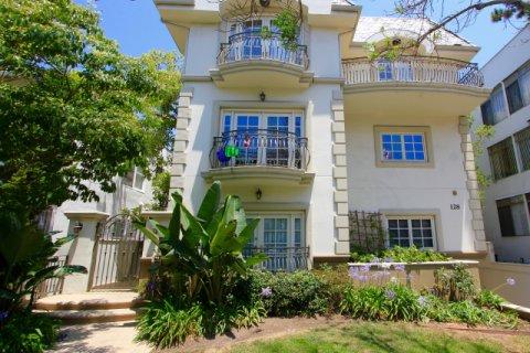 128 S Elm Beverly Hills