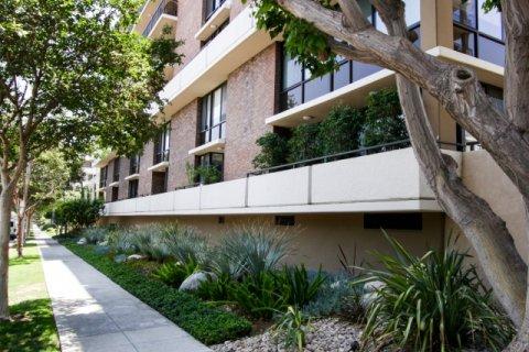 211 Spalding Beverly Hills