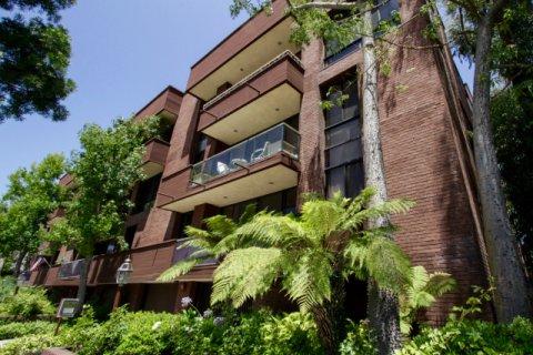 268 S Lasky Dr Beverly Hills