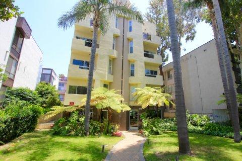 410 N Oakhurst Dr Beverly Hills