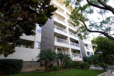 441 N Oakhurst Beverly Hills