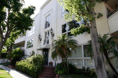 9105 Carmelita Beverly Hills