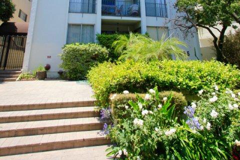 Royal Palm Beverly Hills
