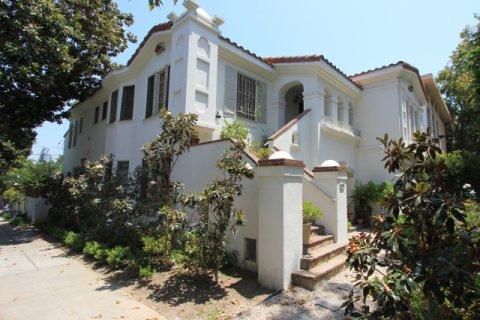 Villa Almont Beverly Hills