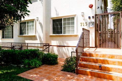 Angeleno Villas Burbank California