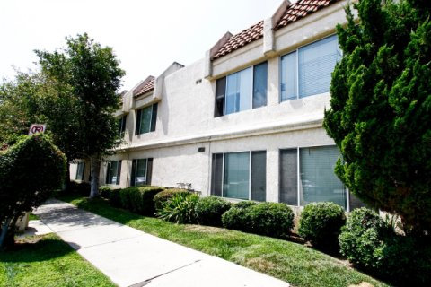 21000 Parthenia St Canoga Park California