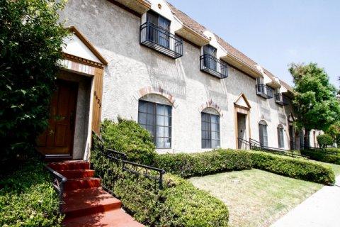 Aetna Manor Canoga Park California