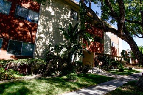 Kenwood Towne House Glendale California