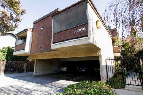13108 Moorpark St Sherman Oaks