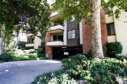 13214 Moorpark St Sherman Oaks