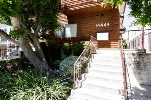 14449 Benefit St Sherman Oaks