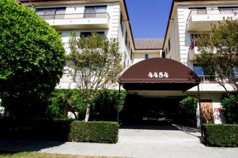 4454 Ventura Canyon Ave Sherman Oaks