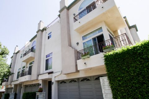 Norwich Townhomes Sherman Oaks