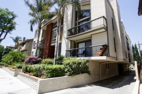 Riverside Regency Sherman Oaks