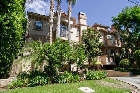 Vesper Villas Sherman Oaks