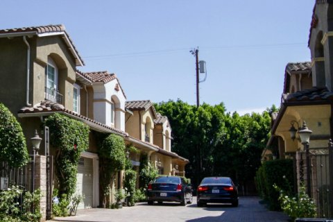 Weddington Townhomes Sherman Oaks