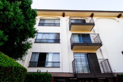 Parkside Condominiums Studio City