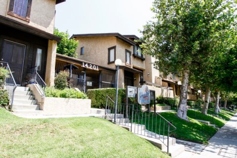 North Club Villas Sylmar California
