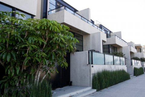 Ocean Front Townhomes Venice
