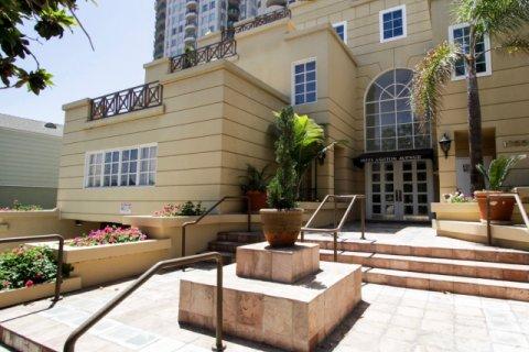 Ashton Thayer Plaza Westwood