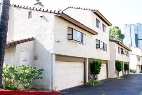 Warner Club Villas CA California