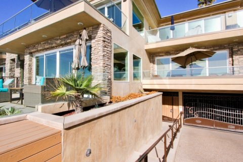 318 S The Strand Oceanside