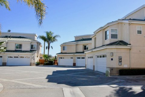 Eaton Court Oceanside