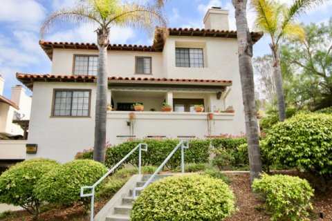 Mission Point Townhomes Oceanside