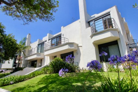 2445 28th St santa monica
