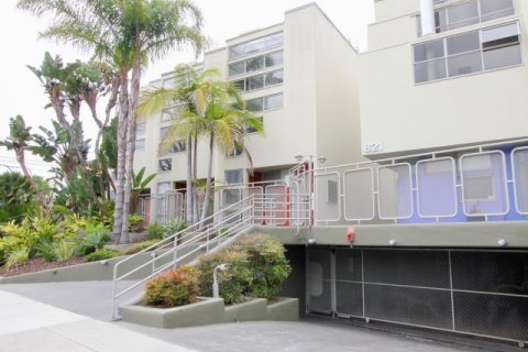 821 Bay St santa monica