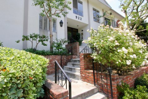 922 14th St santa monica