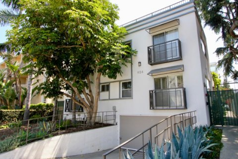 924 5th St santa monica