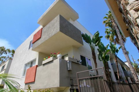 937 5th St santa monica