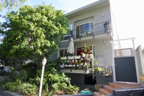 944 11th St santa monica