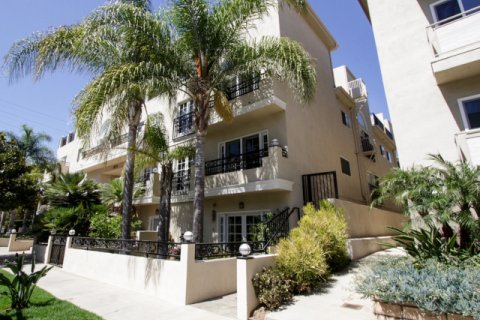 Holmby Hills Townhomes Westwood