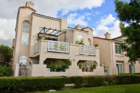 Yorkshire Townhomes Garden Grove