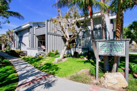 Harboring Villas Huntington Beach