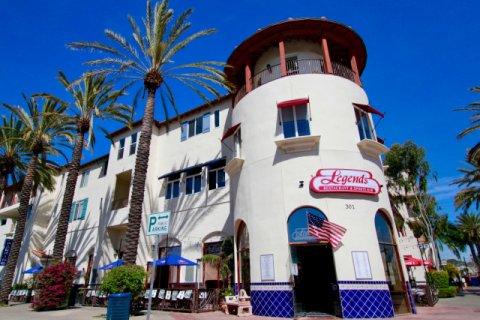 Plaza Almeria Huntington Beach