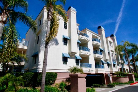 Townsquare Condos Huntington Beach