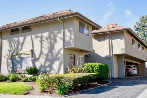 Yorktown Villas Huntington Beach