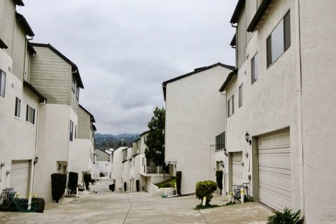 Lakeview Townhomes La Habra