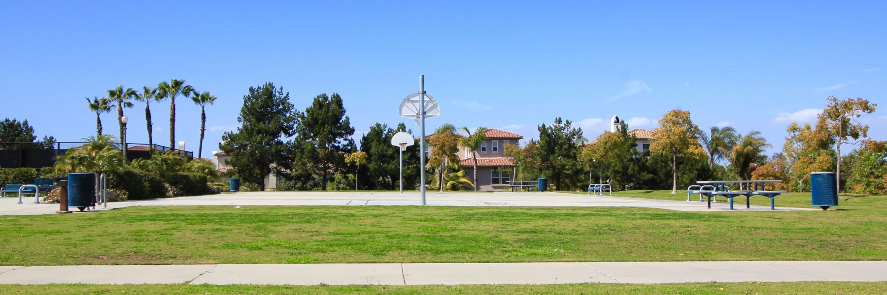 Edwards Hill is a community of homes in Huntington Beach California