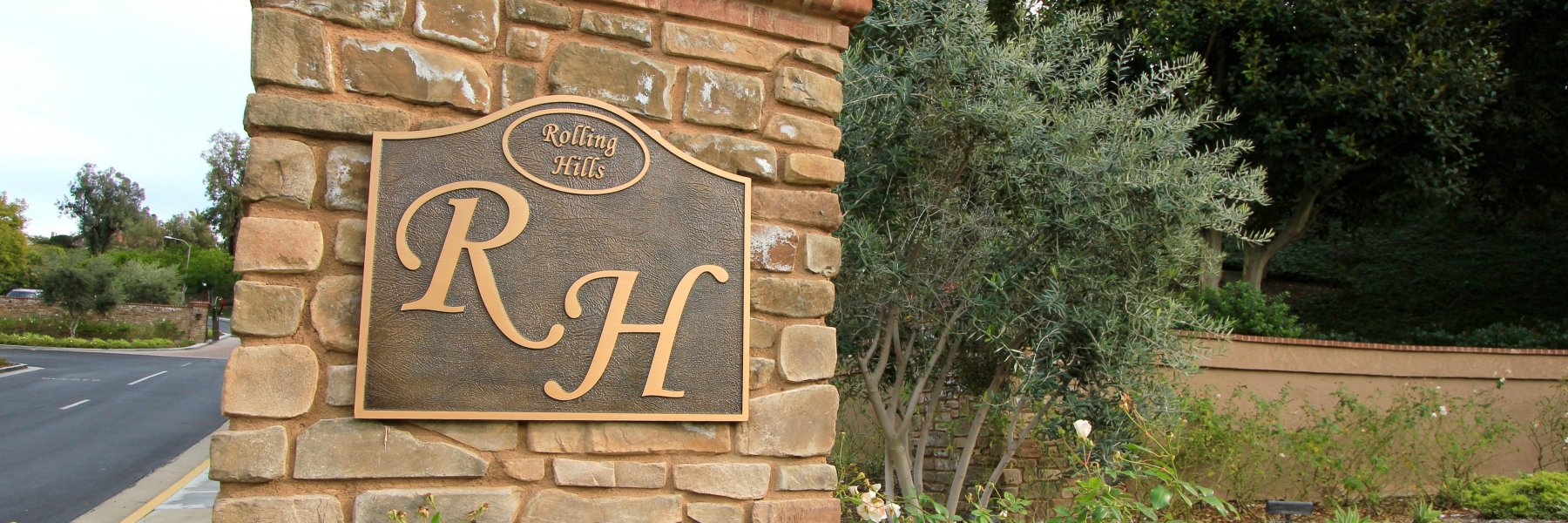 Rolling Hills is a neighborhood of homes located in Laguna Niguel California