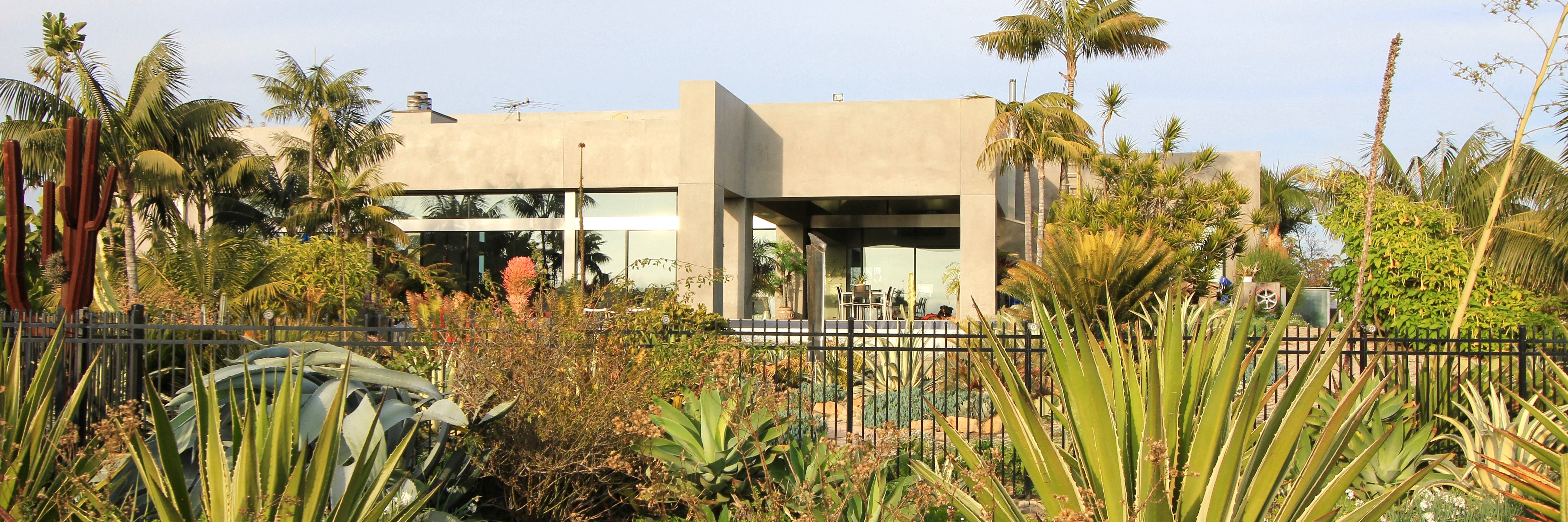 Santa Ana Heights is a housing community located in the city of Newport Beach, CA