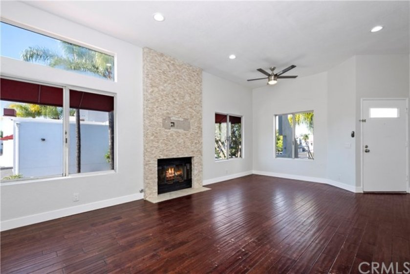 Eating area just off kitchen with ceiling fan