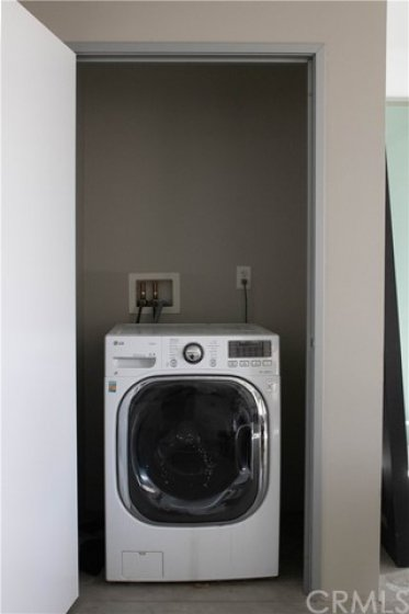 Self venting washer/dryer combo in unit comes with property.