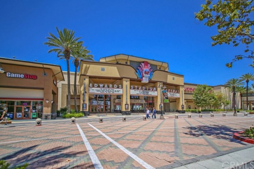 Walk to the town center and enjoy stadium IMAX movies as well as over 20 different restaurants...all just steps from your front door!