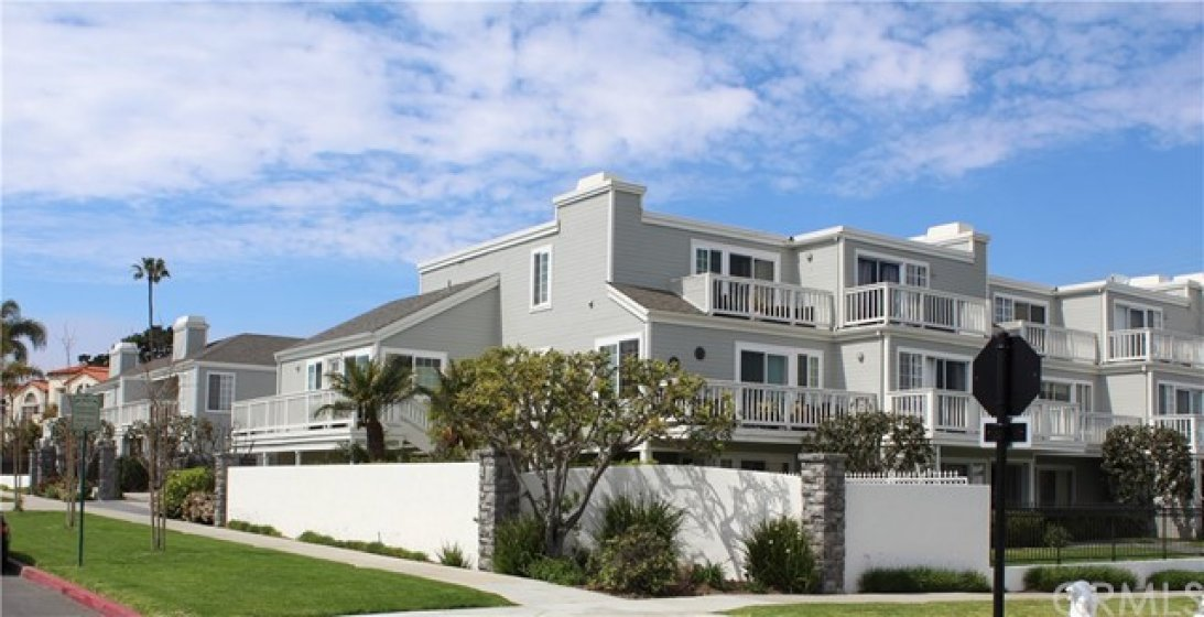 Rarely Available Cap Cod styled townhome in Pilgrims Bluff, gated and fenced neighborhood. Located on Santa Clara Ave with wide streets and surrounded by multi million dollar homes.