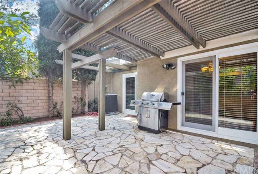 Beautiful Patio with Newer Gas BBQ