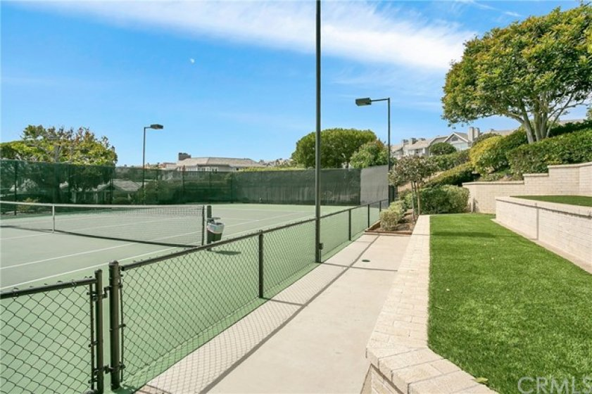 Beautiful Lantern Bay Villas Association lighted tennis court